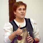 Cornelia Mayer Zitherspielerin in Wien - Portrait