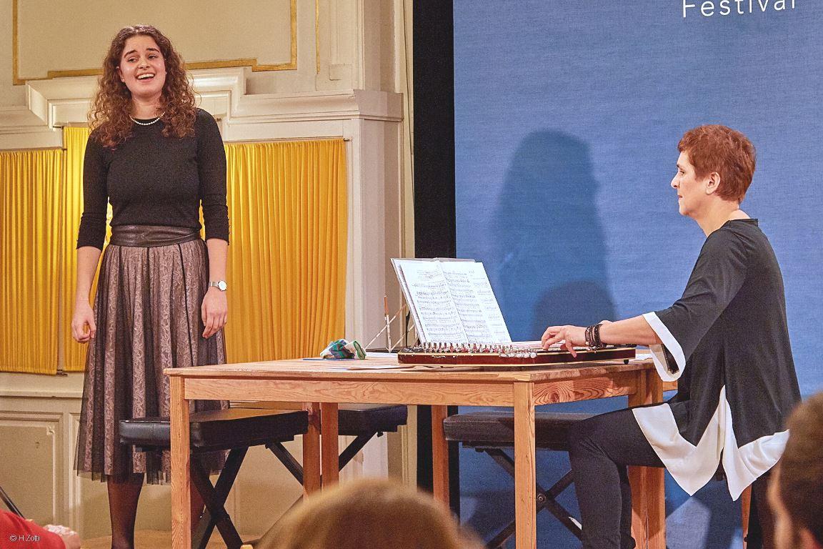 Cornelia Mayer Zitherspielerin in Wien - Zitherkonzert Bockkeller © Herbert Zotti